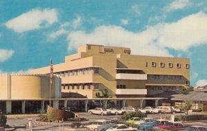 NEWPORT BEACH , California , 50-60s ; Hoag Memorial Hospital