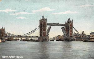 Tower Bridge River Boats Bateaux Pont Tour London 1906
