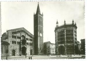 Italy, Parma, Duomo, Battistero, unused real photo Postcard