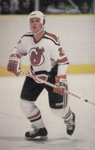 NHL ; New Jersey Devils Ice Hockey Player Randy Valischek , 1985/1986