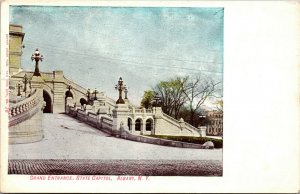 Grand Entrance - NEW YORK STATE CAPITOL - ALBANY , NY  - Vintage Postcard - PC