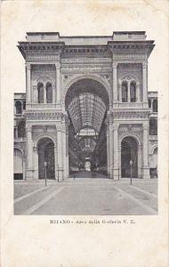 Italy Milano Arco della Galleria