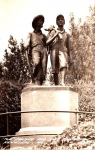Missouri Hannibal Tom Sawyer and Huck Finn Statue Real Photo