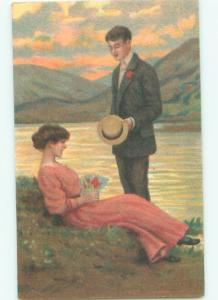 Divided-Back ROMANTIC COUPLE Great Postcard AA7625