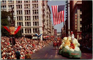 1950s Portland, Oregon Postcard The Annual Rose Festival Parade Street Scene
