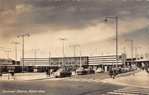 Netherlands Rotterdam, Centraal Station, Buses Cars, Auto, Echte Foto