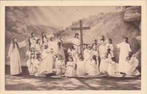 France La Passion a Nancy L'Adoration de la Croix par les Anges