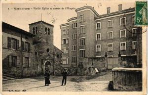 CPA Vernaison Vieille Eglise et entree de l'Hospice (614408)