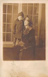 Flint Michigan~Albro's Photo Shop~Mother & Toddler Son~Flapper Hat~c1920 RPPC