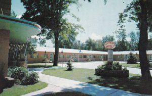 PORTAGE LA PRAIRE , Manitoba , Canada , 1940-60s ; Mayfair Motel