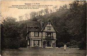 CPA   Vasouy - Le Butin -Charmante construction moderne, placée au pied (435636)