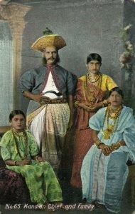 PC CPA CEYLON - SRI LANKA, KANDIAN CHIEF AND FAMILY, VINTAGE POSTCARD (b14729)