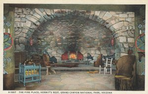Grand Canyon National Park , 1930-40s ; Hermit's Rest , Interior ; Fred Harve...