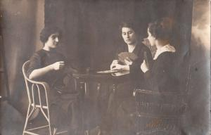 REAL PHOTO POSTCARD SOCIAL HISTORY HUNGARIAN WOMEN PLAYING CARDS VINTAGE GAMES