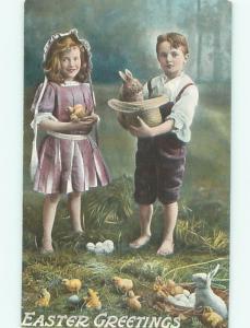 Pre-Linen Easter GIRL HOLDS CHICKS WHILE BOY HOLDS BUNNY RABBIT AB3640