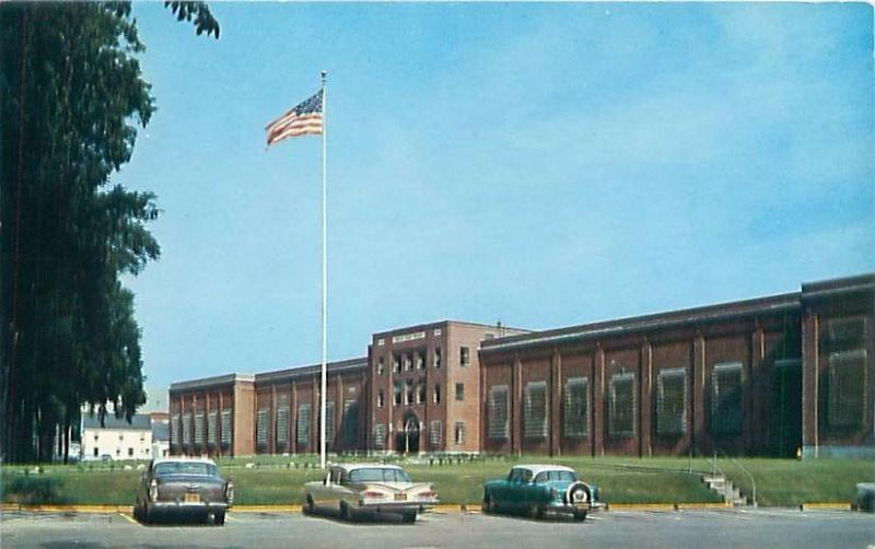 THOMASTON MAINE FRONT FACADE OF MAINE STATE PRISON POSTCARD 1950-60s