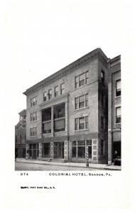 Pennsylvania  Sharon , Colonial Hotel