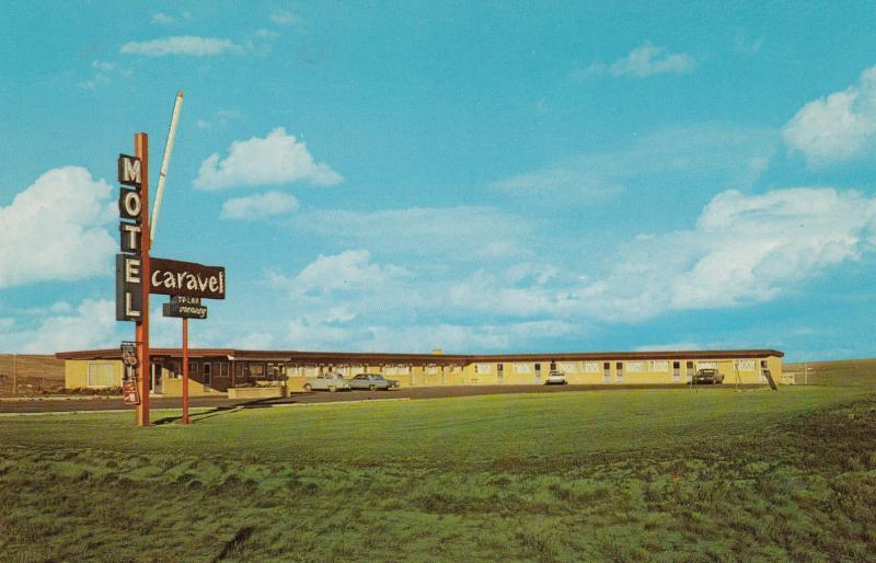 SWIFT CURRENT, Saskatchewan, Canada, 50-60s; Caravel Motel, Classic Cars