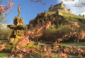 Large Format Scotland Postcard, Edinburgh Castle & Ross Fountain X13