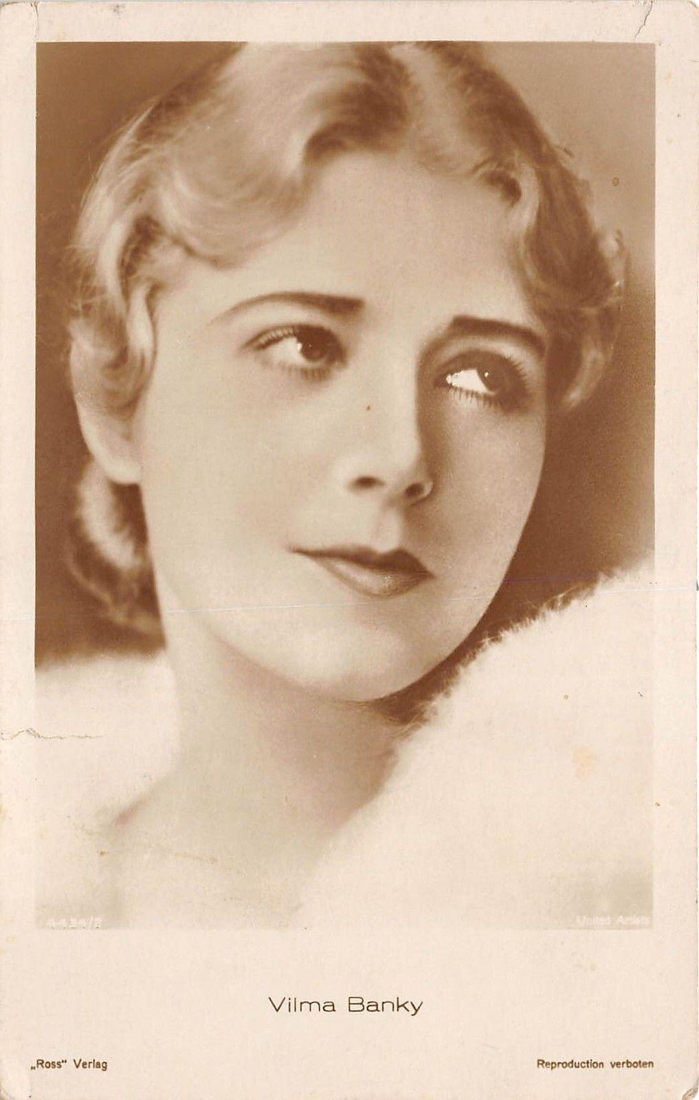 Watch Joan Sims (1930?001) video
