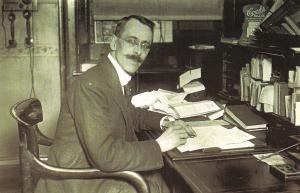 Nostalgia Postcard  London 1921 St Georges Hospital Secretary #N198