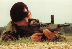 Modern Army Issues Postcard, 1989 The Cadet GP Rifle (L98A1) 5.56mm 9N