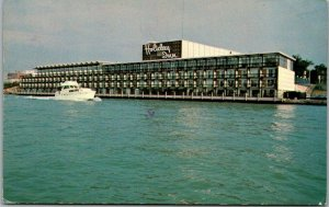 Windsor, Ontario Canada Postcard HOLIDAY INN HOTEL Water View / Boat 1979 Cancel