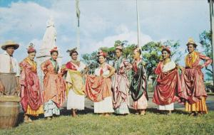 FORT DE FRANCE, Ile de la Martinique; Groupe Folklorique Martiniquais, Ststue...