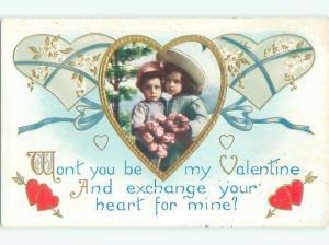 Pre-Linen valentine CUTE GIRL WITH BOY INSIDE HEART J0949