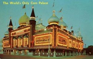 SD - Mitchell. Corn Palace, 1961