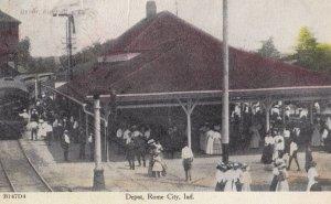ROME , Indiana , 00-10s ; Train at Railroad Depot