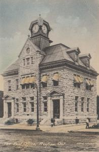 RENFREW , Ontario, 1923 ; Post Office