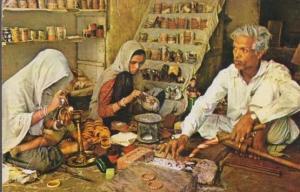 Indian India Bangle Makers Rajasthan Craft Postcard