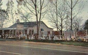 BEAR, DE Delaware  POORE'S GIFT SHOP Roadside NEW CASTLE COUNTY  Chrome Postcard