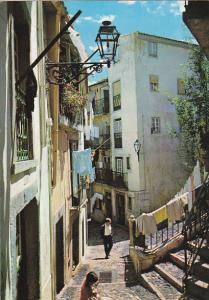 Portugal Lisboa Rua tipica de Alfama