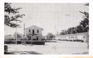 Garden City Kansas~1940s B&W Weldon Trail Inn Court~US Rt 50~Roadside Postcard