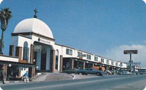 Classic Cars, Commercial Area of the Qunta del Mar Hotel Resort, Playas de Ro...