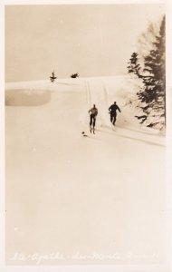 RP: Skiing ; STE. AGATHE DES MONTS , Quebec , Canada ,30-40s