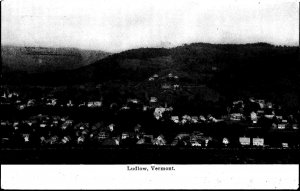 LUDLOW VT - VINTAGE - POSTCARD - VIEW RPPC - HOUSES - POSTED