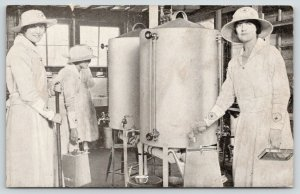 St Louis MO~American Red Cross Canteen Service~Ladies in Kitchen~c1917 B&W WWI