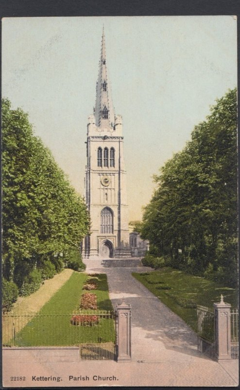 Northamptonshire Postcard - Kettering Parish Church  DC1404
