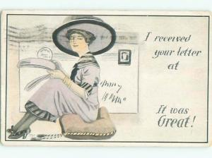Divided-Back PRETTY WOMAN Risque Interest Postcard AA7900