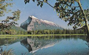 Mount Rundle, Vermilion Lade, Banff National Park, CANADIAN ROCKIES, Alberta,...