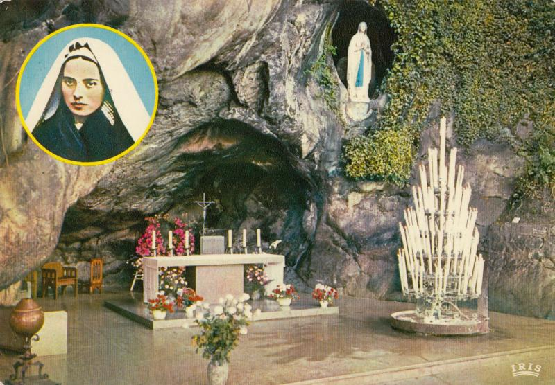 FRANCE LOURDES 1976 THE MIRACULOUS GROTTO