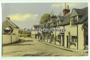 tp9295 - Berks - Village Cottages along the Main Road, in Sonning - Postcard