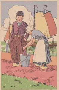 VOLENDAM, Noord-Holland, Netherlands, 1900-1910´s; Waman Washing