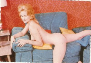 Risque nude. Sugestive Pose 1963 Modern American PC. Continental size