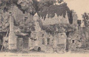 LANGEAIS, Indre et Loire, France, 1900-10s; Habitation de Troglodytes