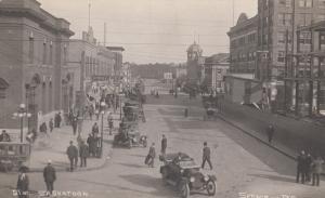 RP: SASKATOON , Sask., Canada , 1900-10s ; Busy Street