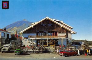 Spain Las Canadas Tenerife Hostelry and Teide Vintage Cars Postcard